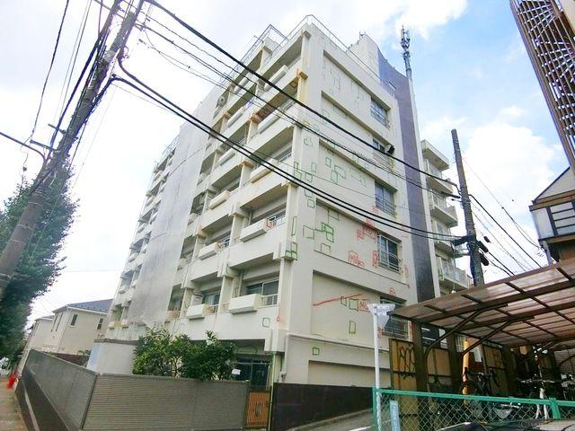 大規模修繕工事中(9月現在)外壁の塗装、防水工事等を行っております。