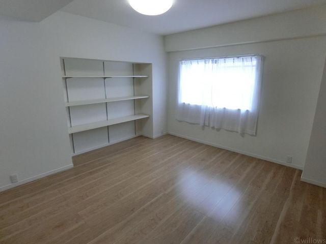 全居室6畳以上と十分な広さが確保されております。