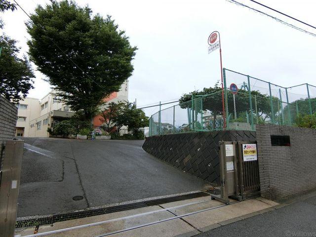 セブン‐イレブン/横浜北寺尾7丁目店 徒歩5分。 340m
