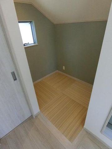 ちょっとした和室はお部屋に安らぎを与えてくれます。キッズスペースにもおすすめです。
