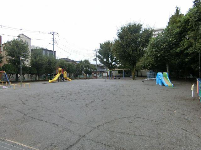 東陽公園 徒歩2分。 140m