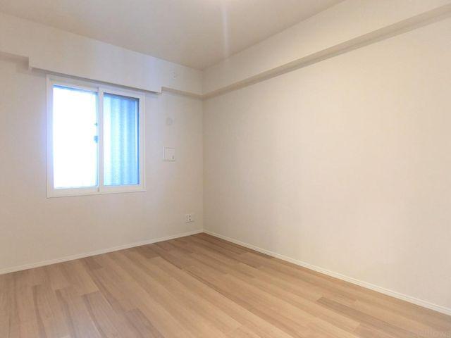 ■洋室(6帖)一番広いお部屋で、主寝室としてお使い頂くと良いですね。