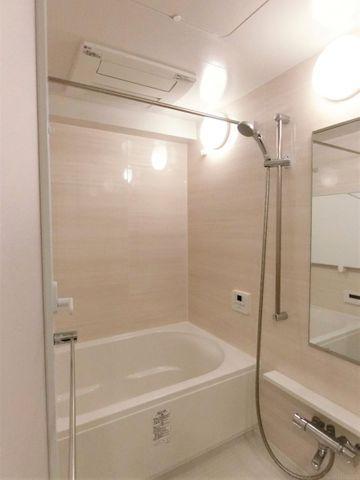 ■浴室乾燥機付きにつき、雨の日でもお洗濯できます。