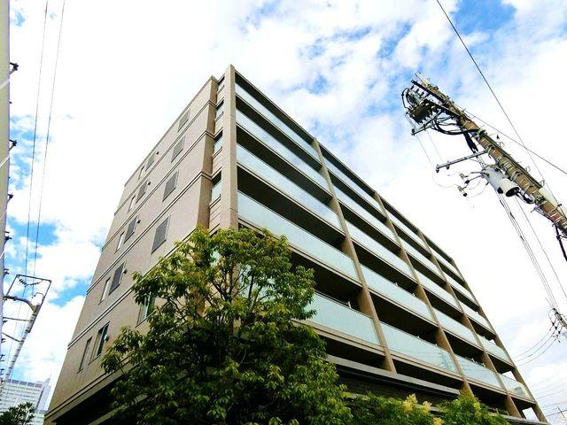 ■平成29年8月築の迷信構造マンション。閑静な住宅地に立地しており、近隣にショッピングモールもありお買い物・お出かけに便利です。