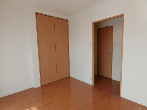 全居室収納付き、室内スッキリ使用可能