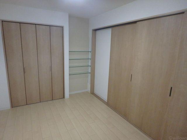 DKと居室の間に可動仕切りがあるため様々なアレンジが可能です。