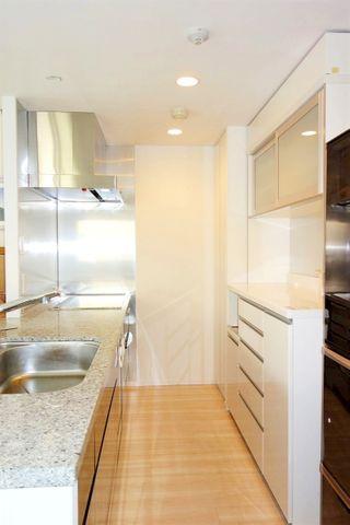 人気のカウンターキッチンです。収納もたっぷりなので、スッキリとお使いいただけます。