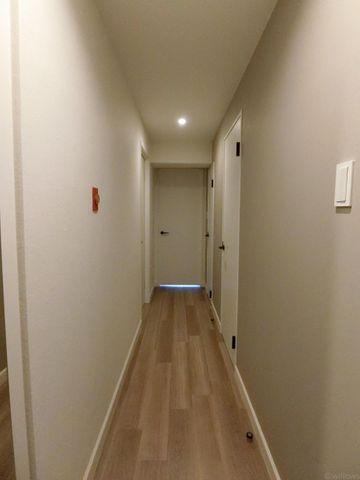 ■落ち着いた色合いのおしゃれな廊下