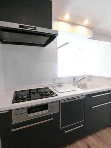 キッチンは食洗器付きで忙しい家事の時短に役立ちます!