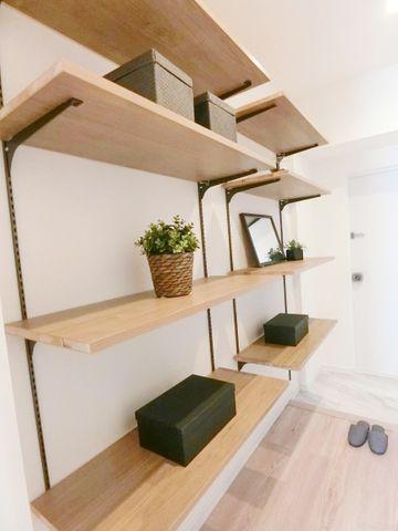 自由にレイアウトできる玄関の収納スペース。自分好みのおしゃれな空間を演出することができ、毎日気分よく過ごせそうです。