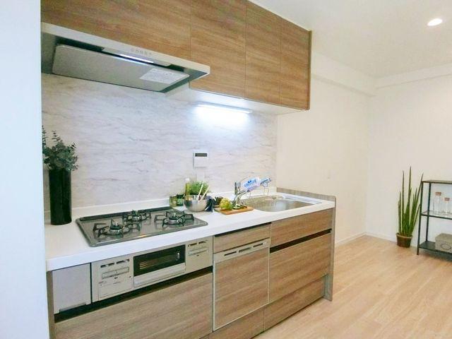 食洗器もついているキッチンは、家事の時間を減らし、自分の時間を大切にさせてくれます。