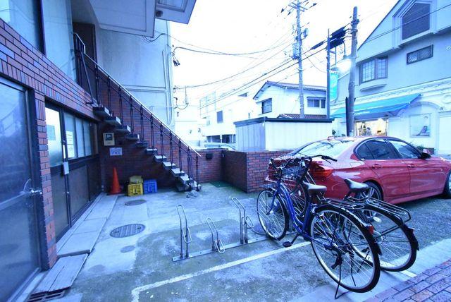 駐輪スペースもしっかり完備。空き状況は随時お問合せくださいませ。