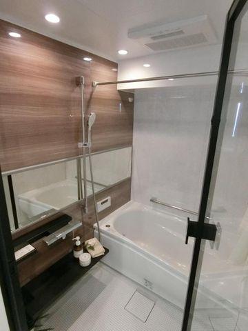 浴室乾燥機が付いてる為、雨の日でもお洗濯物が乾かせます。