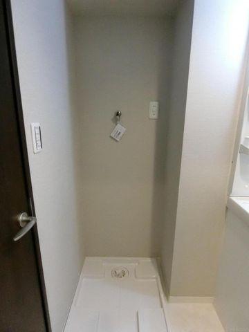 洗濯機置き場もしっかり完備です。