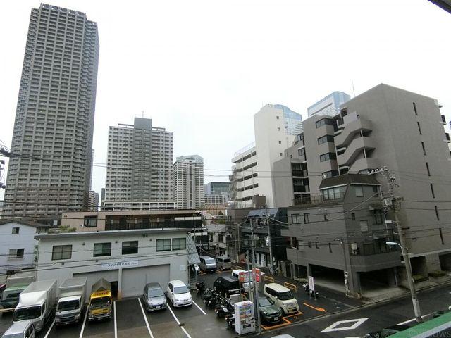近くに高い建物がございませんので採光をしっかり確保することができております。