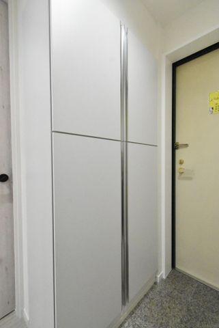 玄関にも収納完備されており使いやすい仕様になっております。