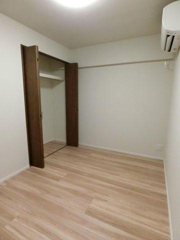 4.5帖のお部屋にはすでにエアコンが付いており、初期費用の節約になりますね!