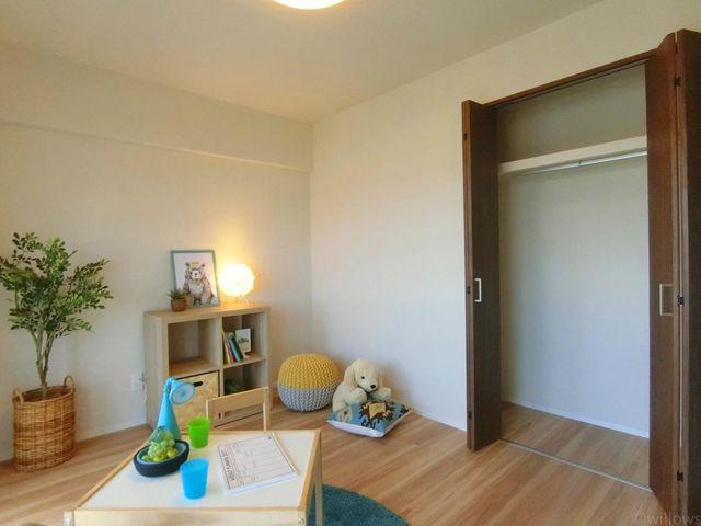 各居室にクローゼットが付いており、どのお部屋も寝室としてお使い頂けます。