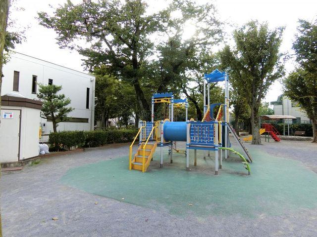 南長崎はらっぱ公園 徒歩5分。 400m