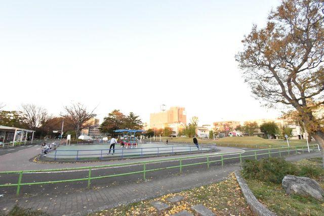 萩中公園 徒歩3分。 180m