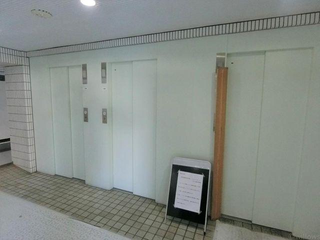 エレベーター3基完備で、混む心配もございません