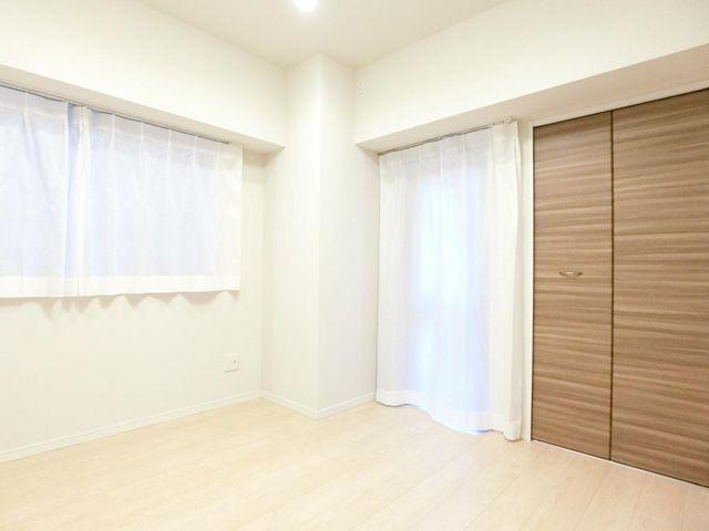 うららかな陽射しがお部屋に降り注ぐように、快適さを追求した間取設計。得難い立地環境で彩り豊かな永住の地へと変えてくれます。