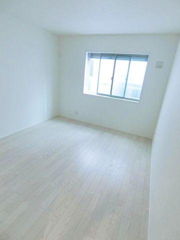 一階全ての室内に収納つきです。