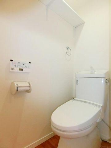 タンクレストイレ、手洗い場、吊り天井等、トイレひとつとっても、どんなリフォームが出来るか様々な想像が膨らみます。