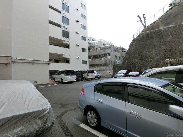 整備された駐車スペース。