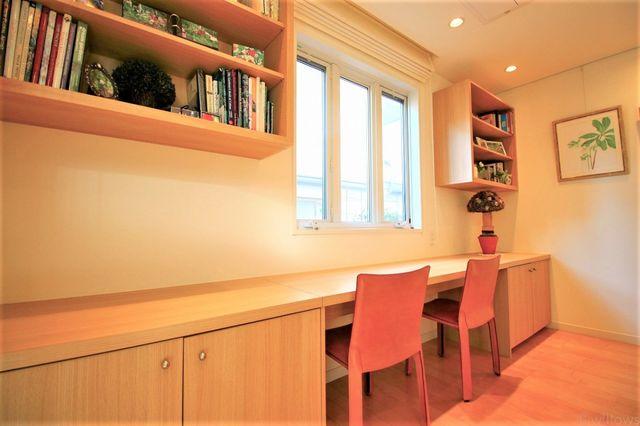 テレワークや勉強部屋に最適なスペースもございます。