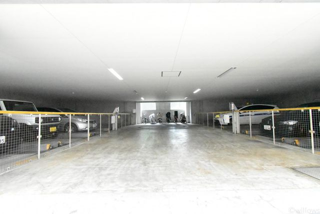 駐車場は専用使用権付きで無料使用可能です。