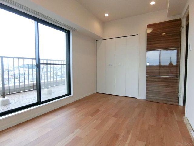 家族の成長に対応できる永住仕様の間取り。一日の疲れを癒やしてくれる、時を忘れて過ごせる空間。もちろん、使いやすい収納スペースも設計されております。