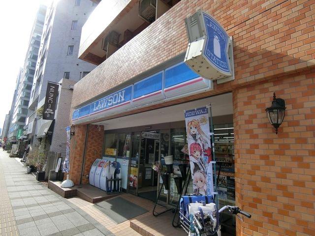 ローソン港三田三丁目店 32m