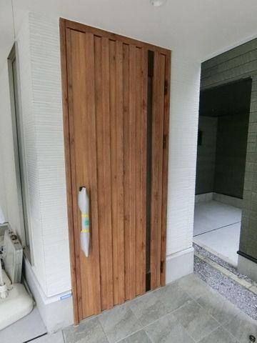 完成物件と同仕様の玄関扉です。外観カラーとの組み合わせを考えるのも楽しそうですね。
