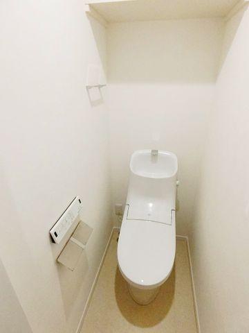 トイレの完成物件と同仕様写真です。クロスや床のカラーはお好きに決めていただけます!