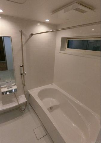 同仕様物件の浴室です。好きなカラーをお選びできます。