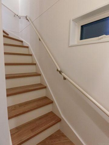 同仕様物件の階段です。色は好きなカラーを選べます。