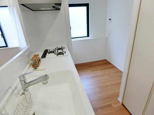 キッチンの調理スペースもしっかりとした広さを確保。毎日のことだからこそ嬉しいですね。