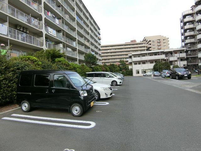 【駐車場】平置きで駐車出来るのは嬉しいですね♪