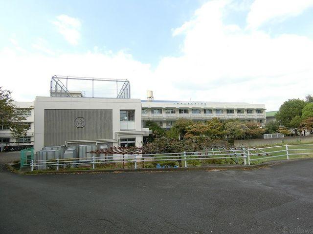 川崎市立西丸子小学校 徒歩10分。 750m