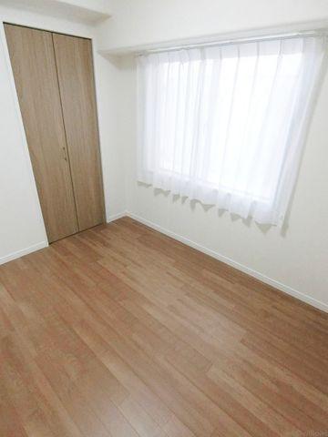 4.1帖のお部屋。お子様のお部屋に、ご夫婦の寝室に、使い勝手の良いお部屋でございます。