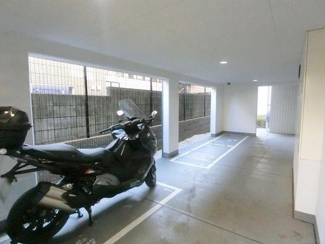 意外とないと困ってしまうのが、バイク置き場です。空き状況はすぐにお調べさせて頂きますので、お気軽にお問い合わせくださいませ。