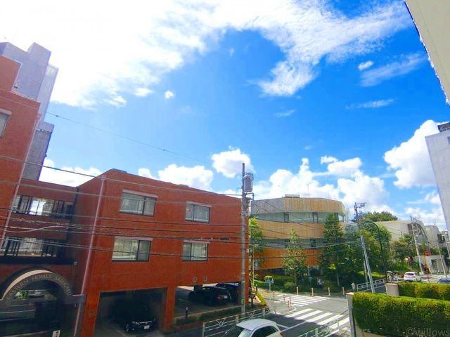 日当たり・風通し良好です。自然の風や光は、きっと日々の生活に潤いを与えてくれるはずです。