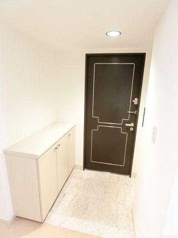 ドアを開けると広がる、ホッと一安心する空間は、下駄箱もありすっきりとお使い頂けますね。