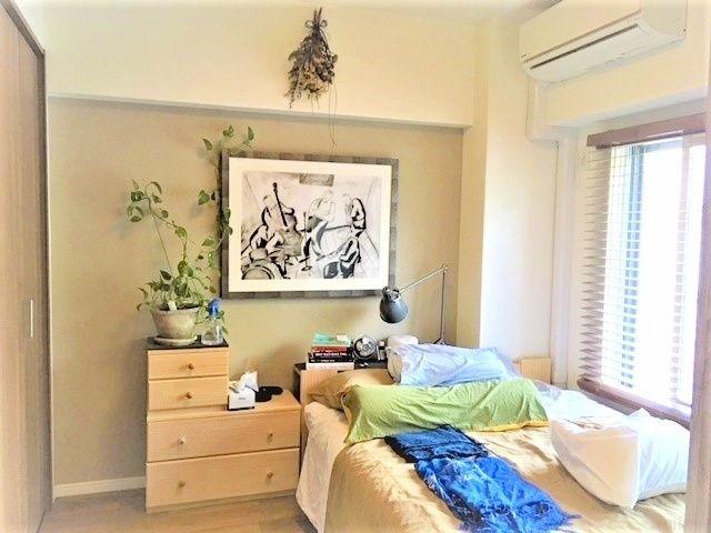 心と体をゆったりと安らげる寝室。