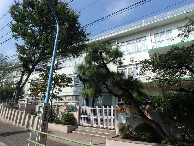 新宿区立西戸山小学校 徒歩5分。 350m