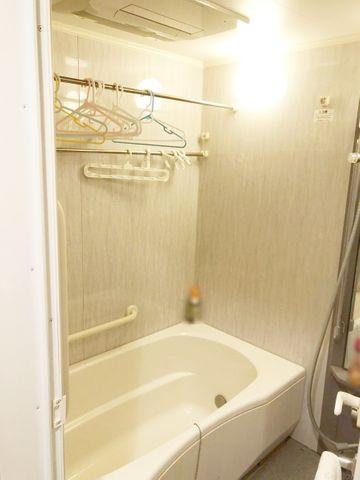 心身ともに癒されつつ、プライベートなひとときを送ることができるでしょう。保温効果の高い浴槽なので、家計にも嬉しいですね。