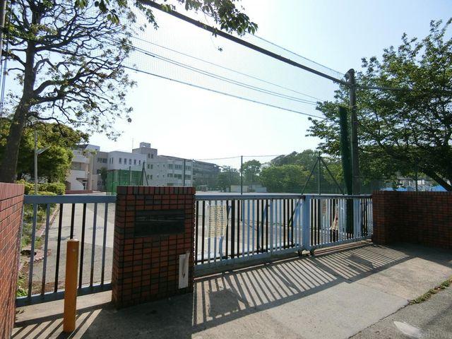 川崎市立宮内中学校 徒歩7分。 500m