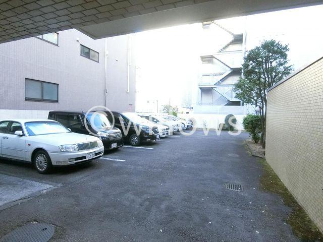 駐車場の空き状況についてはお問い合わせくださいませ。