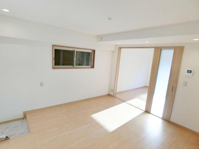 ダイニングと洋室の扉を開放すれば、17畳リビングとしてもご利用頂けます。無駄のないすっきりとした間取りで、広々とお暮し頂けます。